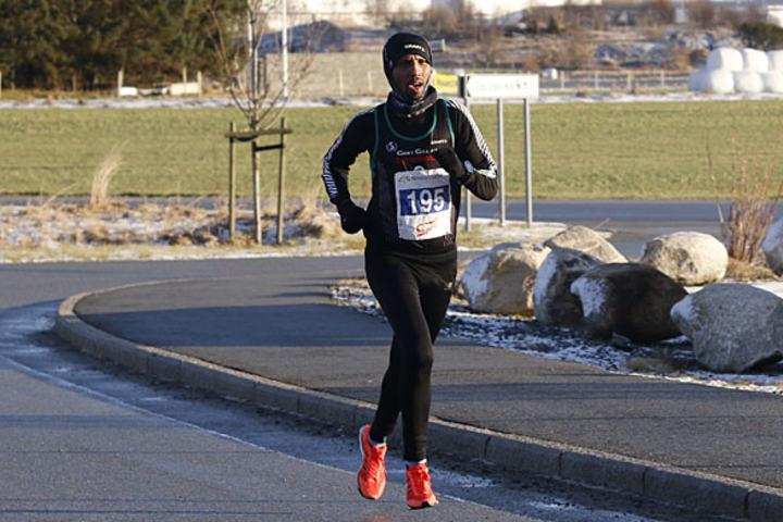 Frew Zenebe Brkineh, etioperen som løper for Sandnes IL, ble suveren vinner på 10 km.