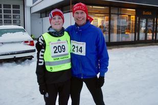 Pål Andre Lervåg (vinner)  og Jan Ketil Vinnes (214) tok de to første plassene på 10 km i Ålesund vinterkarusell. Foto: Sigbjørn Lerstad