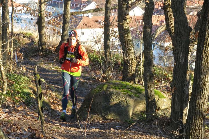 Aud Elisabeth Stuhr i fint driv på den avsluttende 22-kilometeren (foto: Fredrik Ölmqvist)