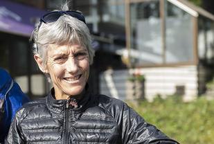 Joan Benoit Samuelson tok OL-gull på maraton i 1984. Senere i år fyller den amerikanske maratonlegenden 60 år. (Foto: Bjørn Johannessen)