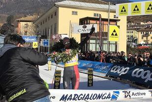 Tord Asle Gjerdalen med kransen etter sin tredje strake seier i Marcialonga