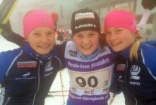 Engebråten skole. Fra venstre: Sigrid Føyen, Runa Ulvang og Nora Galåen. Foto: Jon Per Nygaard (arrangør)