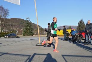 Olger Pedersen løper inn til ny pers på 26.10. Foto: Andreas Haddal