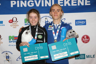 Vilde Våge Henriksen og Jens Larsen Åstveit med favnen full etter seieren på 1500 m