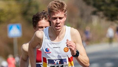 Per Svela har har forbetra seg år for år, og no er han ein av dei beste langdistanseløparane i landet. (Foto: Stian Schløsser Møller)