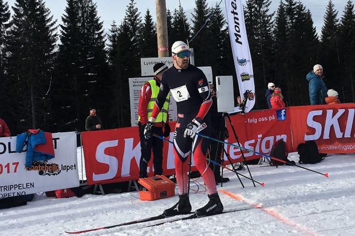 Sondre Turvoll Fossli kan snu seg og konstatere at ingen av de to utfordrerne kunne matche han i spurten. (Arrangørfoto)
