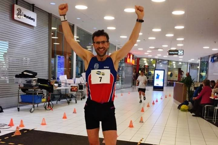 Svein-Erik Bakke kan juble etter å ha vunnet kjøpesentermaraton i Örebro (privat foto).