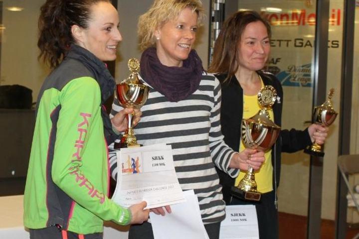 Aud Stuhr (3), Rita Nordsveen (1) og Kristine Walhovd (4) bidro til at 8 av de 10 beste resultatene på kvinnestatistikken er fra årets løp på Bislett (foto: Olav Engen)