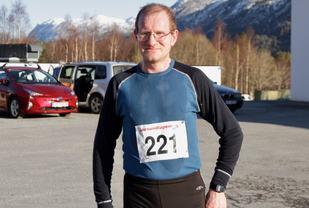 Are Uran fra Averøy vant 10 km på det femte og siste løp i vinterkarusellen
