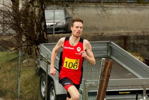 Ørjan Grønnevig med et meget sterkt 10km løp i Egersund. Han smadret den tidligere løyperekorden. Foto: Knut Ro Sørensen.