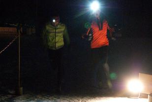 Fotofinishen mellom Simen Næss Berge (til venstre) og Geir Steig tirsdag kveld. (Foto: Stein Arne Negård)