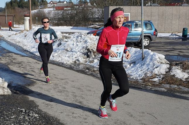 Oddny Ringheim beste kvinne på Lørenskog når tidene er omregnet etter veterantabellene. Foto: Olav Engen.