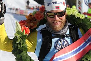 Med seierskransen: Martin Johnsrud Sundby ble nr. 2 for to år siden. Med spesialtrening på staking ble det seier denne gangen.