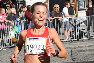 Ida Bergsløkken var et stykke bak persen, men gleda seg over seier og en positiv opplevelse i Varvetmilen. (Arkivfoto: Runar Gilberg)