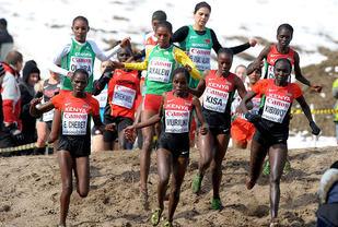Vi vil nok se mye til de kenyanske og etiopiske draktene når mange av verdens beste løpere møtes til dyst i Ugandas hovedstad på søndag. (Foto: Mark Shearman)