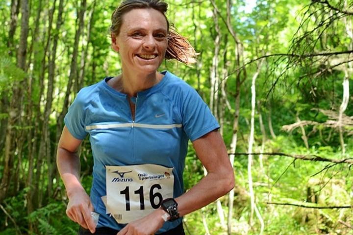 Marit Karlsen i Nordmarka Skogsmaraton 2013 der hun kom på 3. plass. (Foto: Mauru Pau)