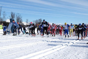 Start i den 5.utgaven av Border Crossing Ski Challenge. Foto: Kenneth J Markussen