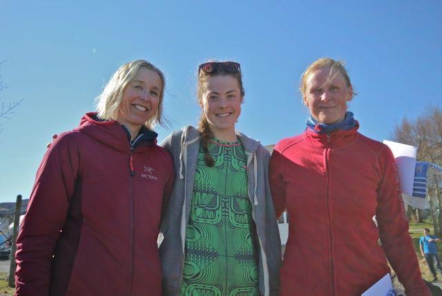 Damepallen. Fra venstre Lillian Todmen, Hege Rindal og Wenche Bjørkeng. Foto: Martin Hauge-Nilsen