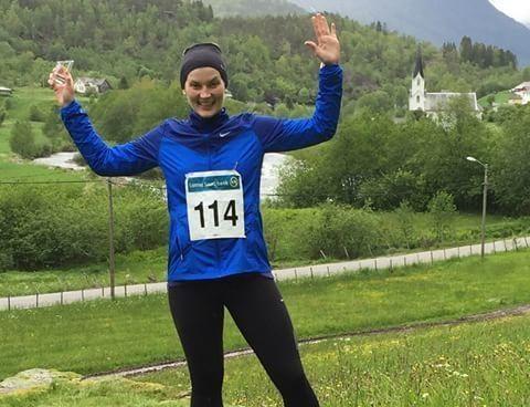Elen Kristine var så glad da hun hadde løpt sitt første løp, Lustraløpet.