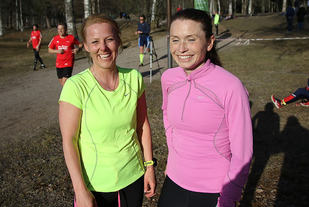 Trude Gran (til venstre)  og Bodil Kristine Høstmælingen gjorde opp om de to første plassene i det 472. Sognsvann Rundt Medsols