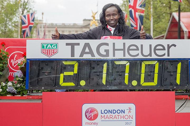 Mary Keitany KENand her World Record. The Virgin Money London Marathon, 23rd April 2017.Photo: Ben Queenborough for Virgin Money London MarathonFor further information: media@londonmarathonevents.co.uk