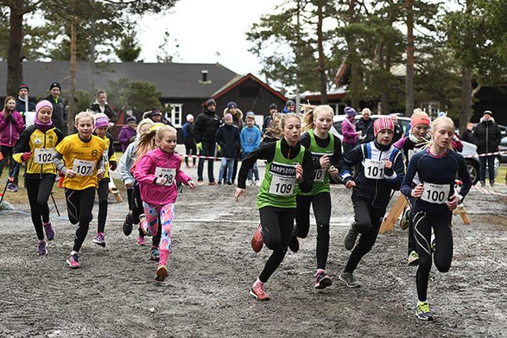 Starten for yngste jenteklasse, K11 og K12. (Alle foto: Bjørn Johannessen)