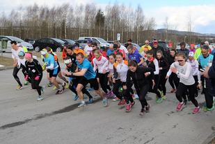 Var det den kalde nordavinden som gjorde at mange satte full fart fra første meter på Rudshøgda onsdag, tro? (Foto: Finn-Magne Nybrenna)