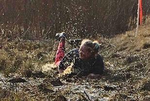 Rett på snørra - i gjørma. (Foto: Hilde Johansen)