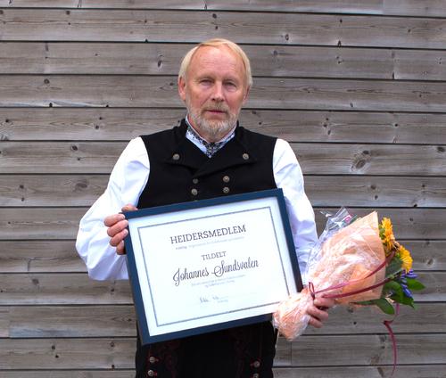 Utsnitt_Nytt_Heidersmedlem_i_FolkOrg_Johannes_Sundsvalen_foto_ThomasWestling.jpg