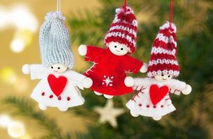 christmas_angel_dolls_hand_labor_knitted_cap_red_white_grey-675227