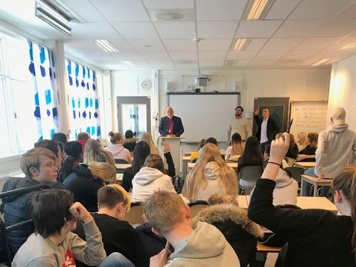 10. trinn Marikollen ungdomsskole besøk av Atle Sommerfeldt