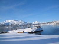 Utover Tjeldsund med Gausvik i bakgrunnen