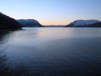 Ut Astafjorden mot Svælen og Rolla
