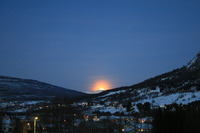 Kveldsmåne over Lavangseidet