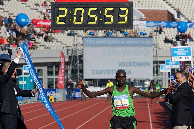 16-10-2011: Atletiek: TCS Amsterdam Marathon: Amsterdam