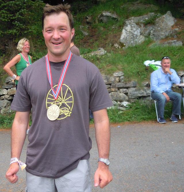 Lars Henning med velfortent medalje etter ein voldsomt flott spurt.