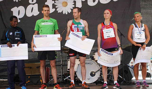 Fra venstre: Abebe Hunde, Øystein Sylta, Holger Hott, Kjersti Karoline Danielsen Sylta og Kjersti Norstrøm.