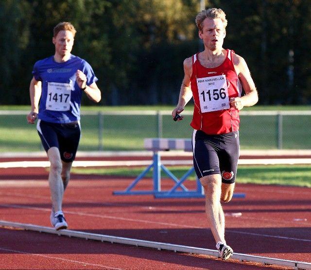 Ole Gorm Berg trives ekstra godt på baneløpene, her er han på samme 800-meteren i 2012 (foto: Bjørn Hytjanstorp).