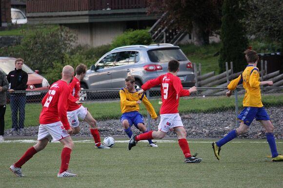 Morten med ball