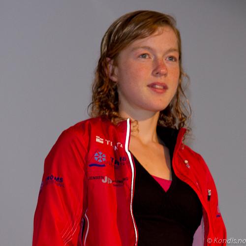 IMG_7998-2-1Vinnar Dame halvmaraton.jpg