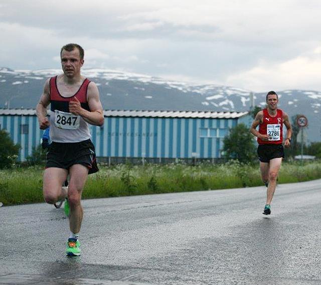21km_Damian_Szmelter_Ronny_Jakobsen_vinner_etter_16km_IMG_4335.jpg