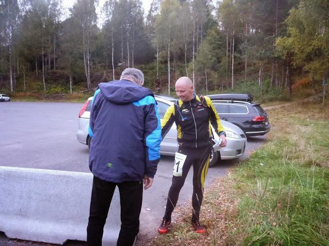 P1020507_Leif_Abrahamsen_stempler_inn.jpg
