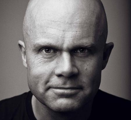 Erik Bertrand Larssen_bruk (2)_600x900[1]_cropped_450x411.jpg