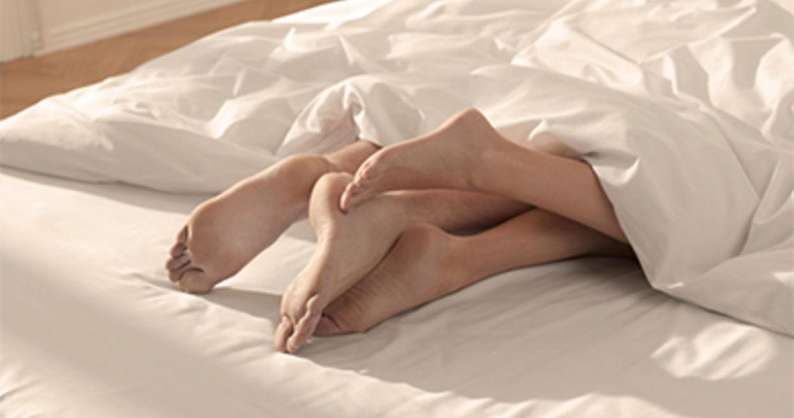 legs_in_bed_2