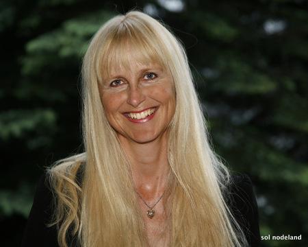 Ragnhild Nilsen Coach Team_450x360.jpg