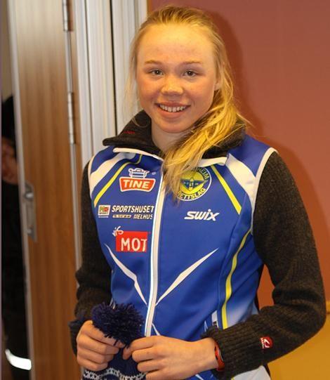 Hanne Skulbru med premie for klasseseier i fjorårets Narkut.