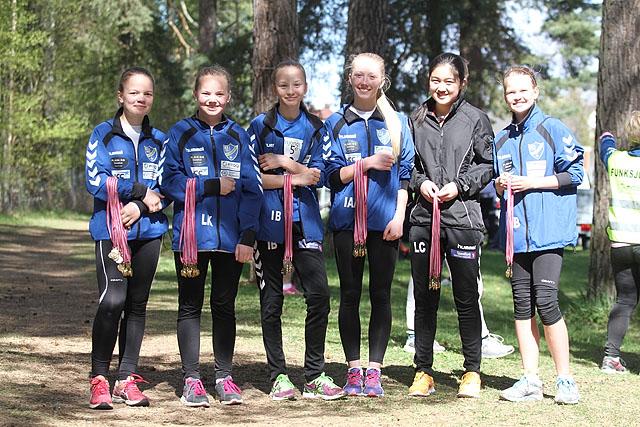 Medaljejentene_IMG_4152.jpg