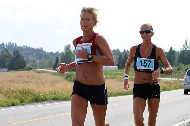 Halvmaraton_Rita_Nordsveen_Anne_Berit_Vangen.jpg