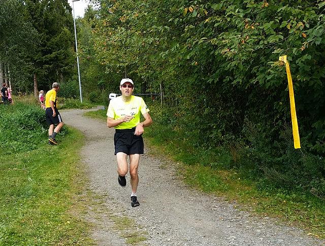 Fra fjorårets Gå-jogg i Klukhagan. (Foto: Miroslaw Baran)