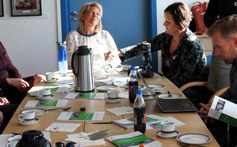 Bilete frå lansering av halvvegsrapporten om Omsorgsteknologi i Lindås.
